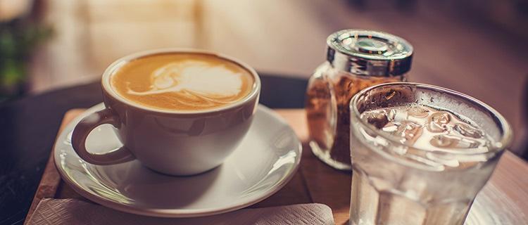 illy blog - Glaasje water bij de koffie